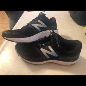 Womens New Balance Sneakers. Size 11